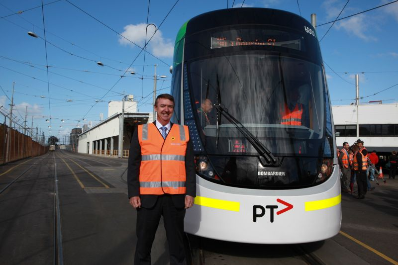 Minister Mulder and tram 6001